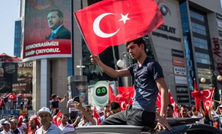 NATO, AS dan Uni Eropa memperingatkan Erdogan Untuk Meghormati Aturan Hukum