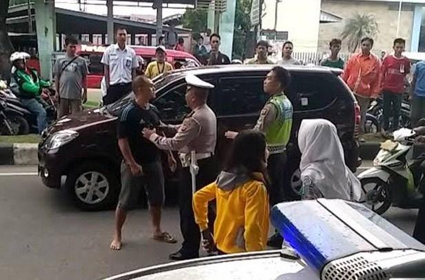 Kena Tilang, Anggota TNI Tonjok Polisi Lalu Lintas